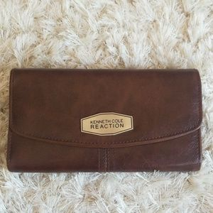 Kenneth Cole Reaction wallet.